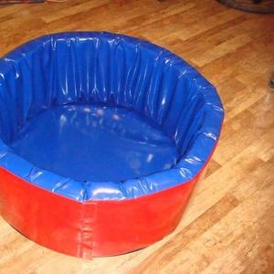 Сухой детский бассейн (манеж)