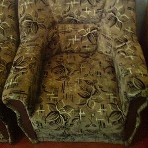 2 уютных кресла ищут новых хозяев !