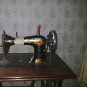 Продаю Швейную машинку Singer 18 век