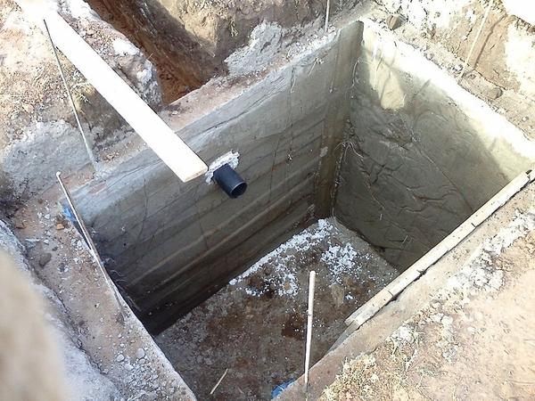 Сливные ямы под ключ в Донецке. 3