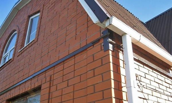 Утепление домов,  стяжка дома металлическим каркасом.