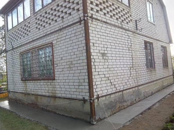 Утепление домов,  стяжка дома металлическим каркасом. 3